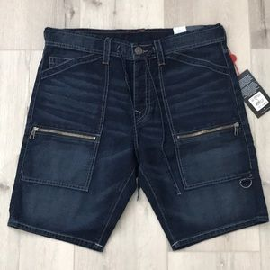 TRUE RELIGION TRAIL UTILITY MENS SHORT
